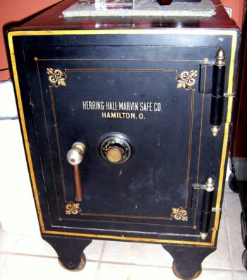 Antique Safe, Used safe, Collecter safe, Herring.Hall.Marvin safe Co.
