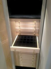 Concealed drawer set